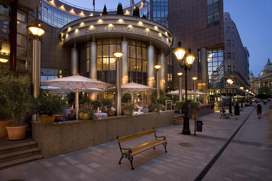 08-Kempinski-Hotel-Corvinus-Budapest-2